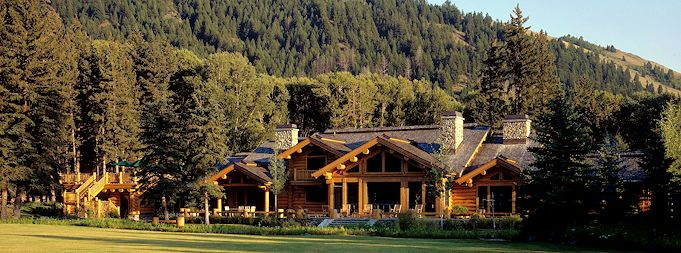 Wyoming mountain log home hand built with canadian logs and classic log home style