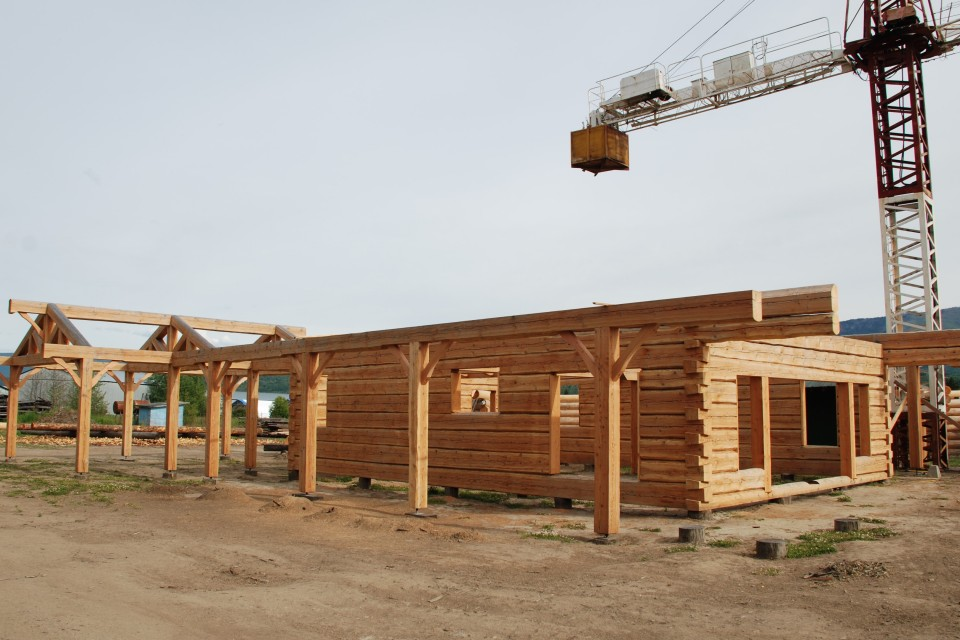 North View Dovetail Log Home