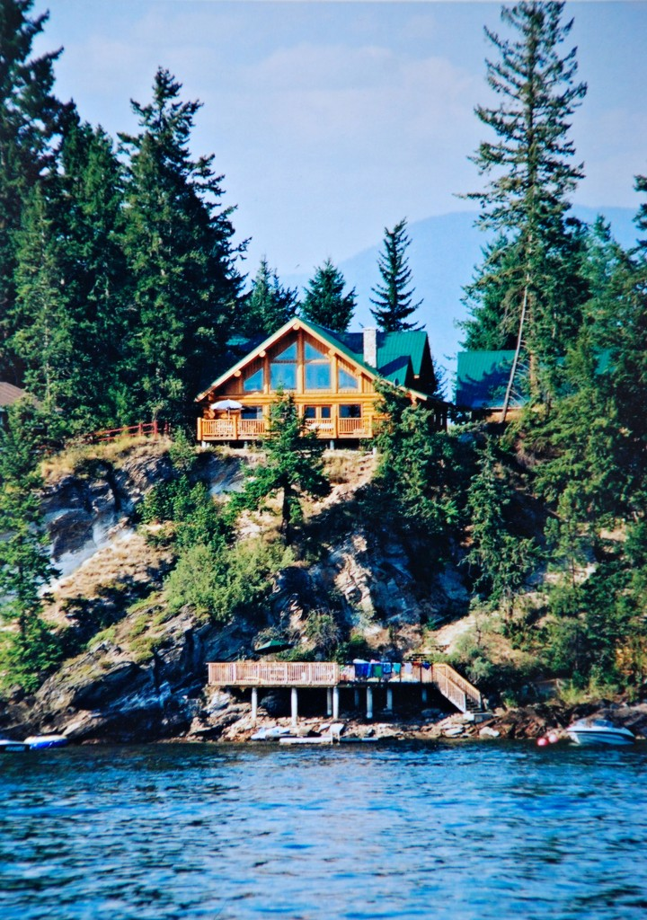 Work Less, Play More-Log Cabins make a great income property. Shuswap Lake Cottage