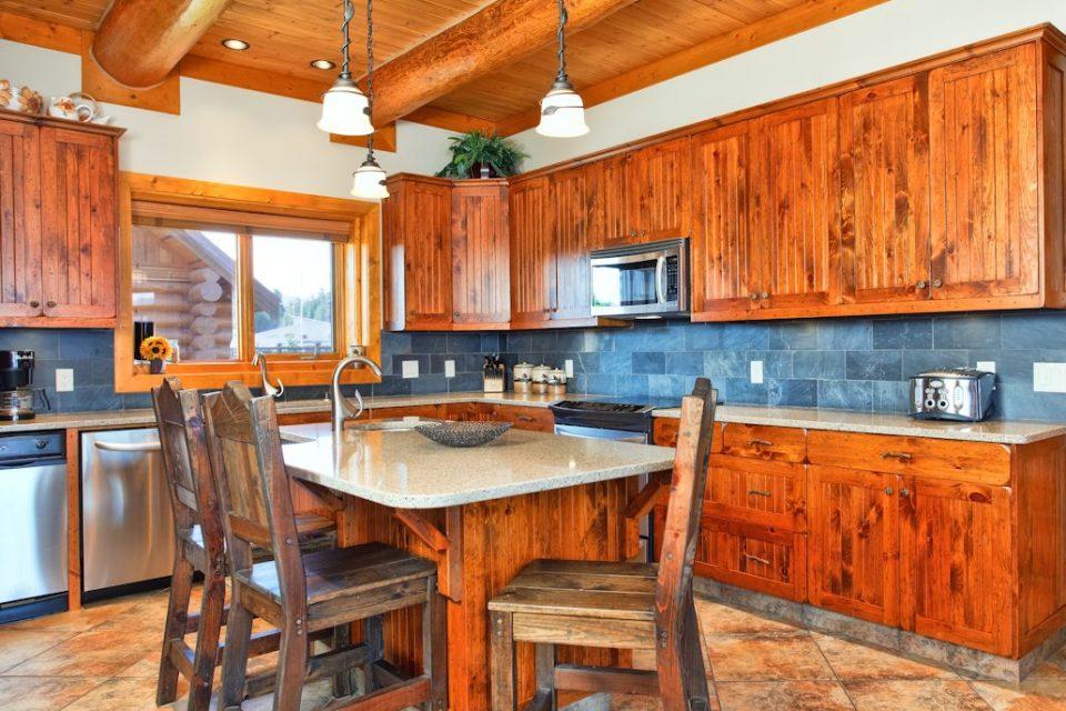 Log Cabin Lake Cottage Kitchen