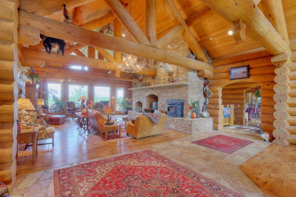 Log Home Interior Living