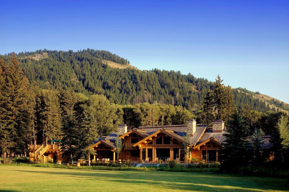 Luxury Home With Log Cabin Style