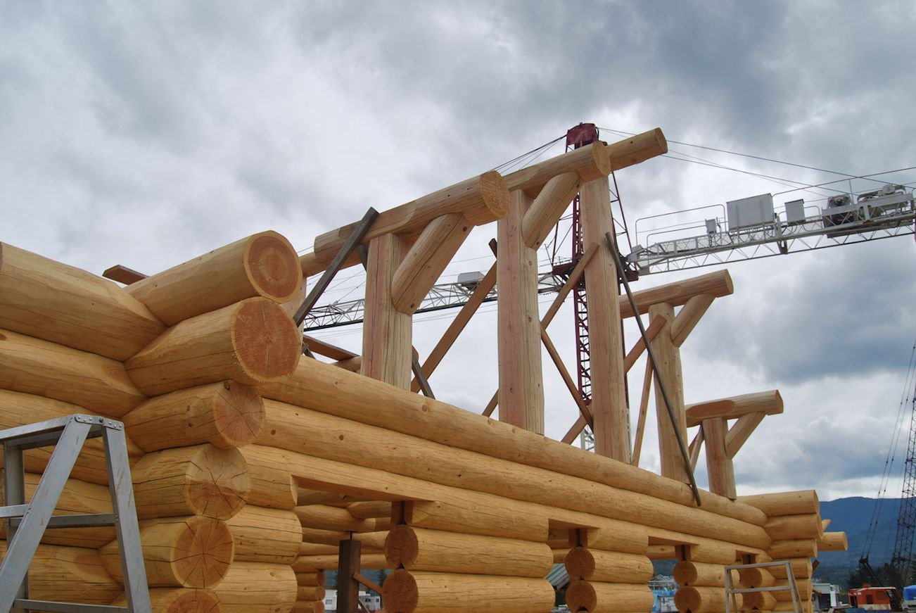Constructing your log home or cabin log home process for Log cabin roof construction