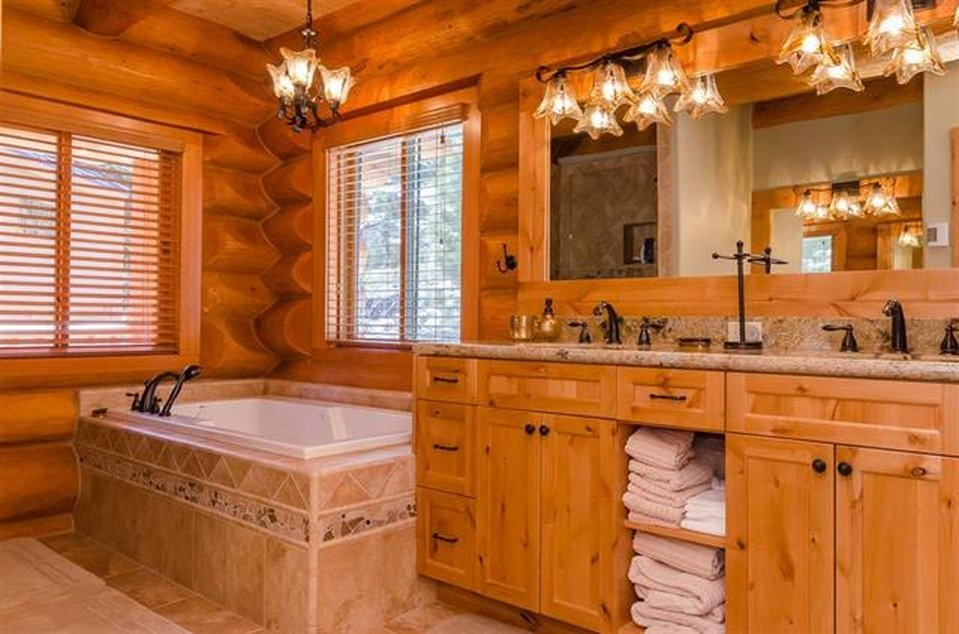 log-home-bath-1