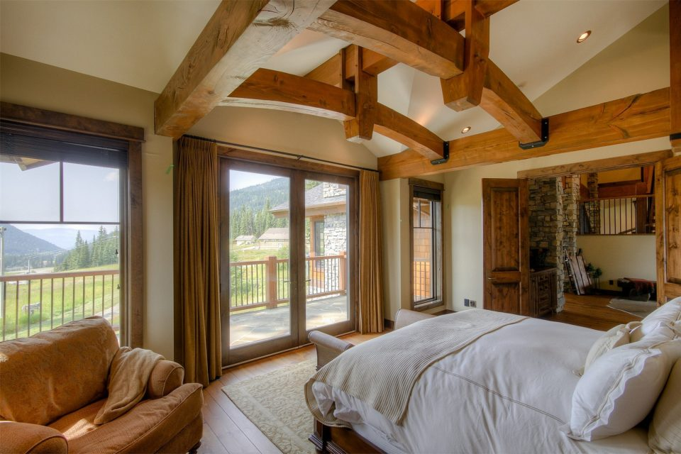Timber Home Luxury Life